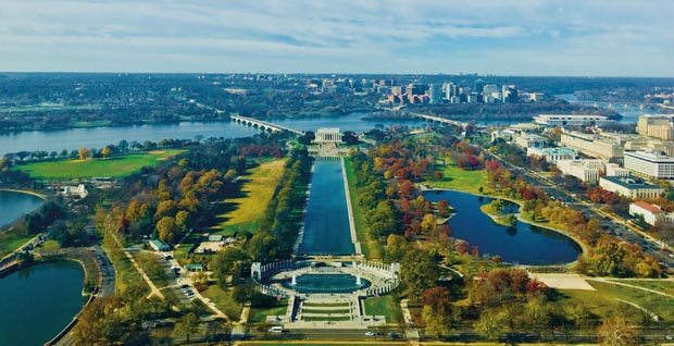 High angle shot of a beautiful landscape with Lincoln Memorial in Washington D.C.